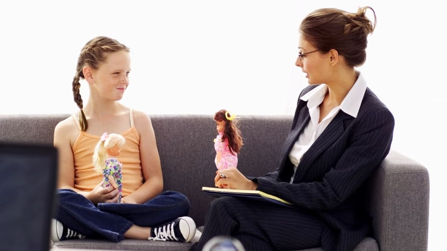 child with psychologist