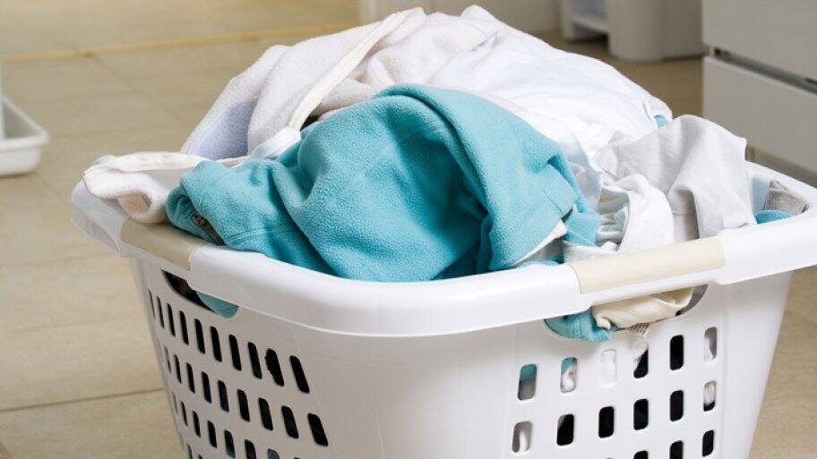 If you find a rust stain on your clothing when taking it out of the washing machine, rewash it before drying to prevent setting the stain.