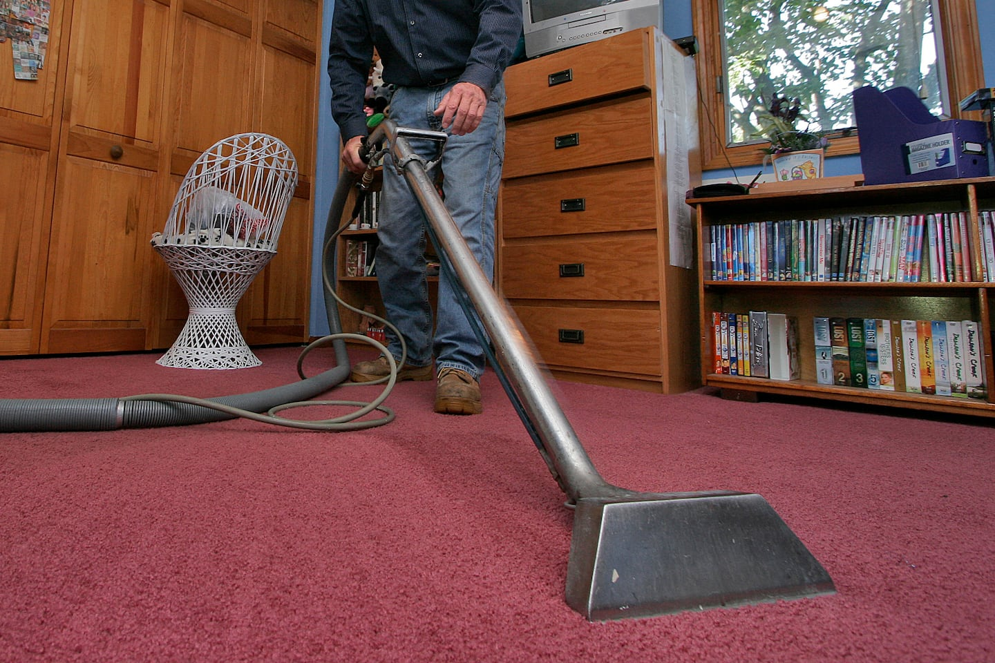 Dry Carpet Cleaning Vs Steam Cleaning Methods Angie S List