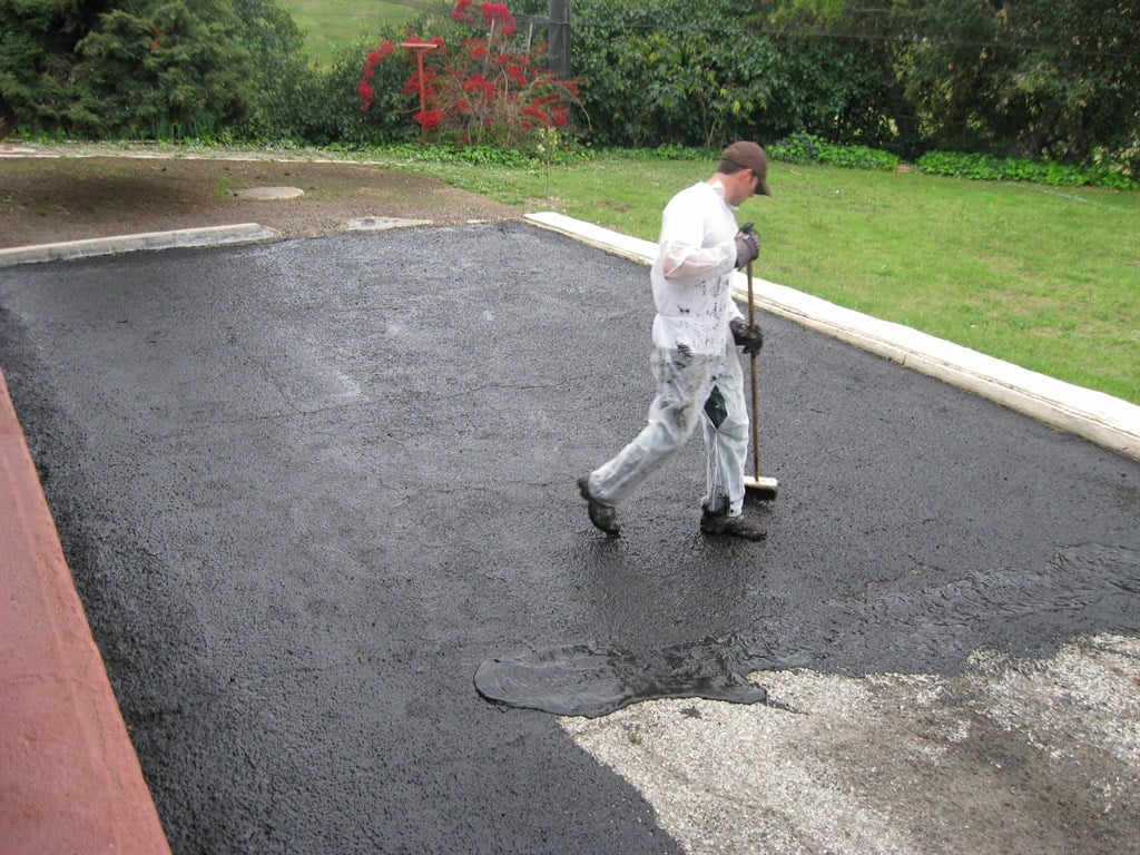 What Are Some Tips To Sealcoat A Driveway
