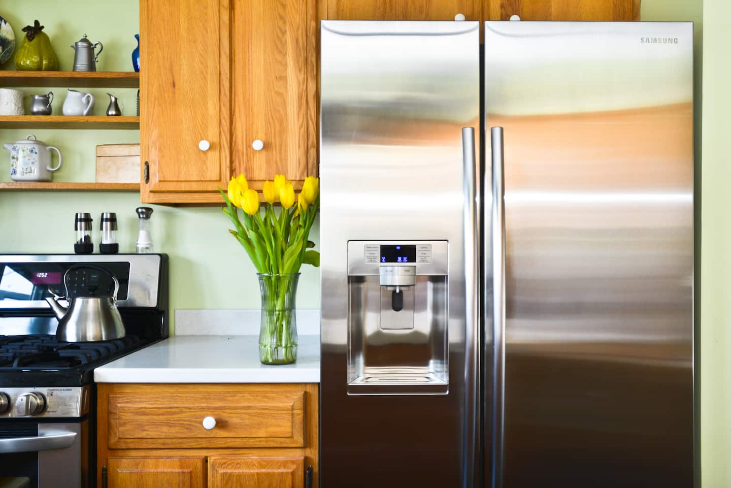 Refrigerator Smells? How to Stop and Prevent Fridge Odor | Angie's List