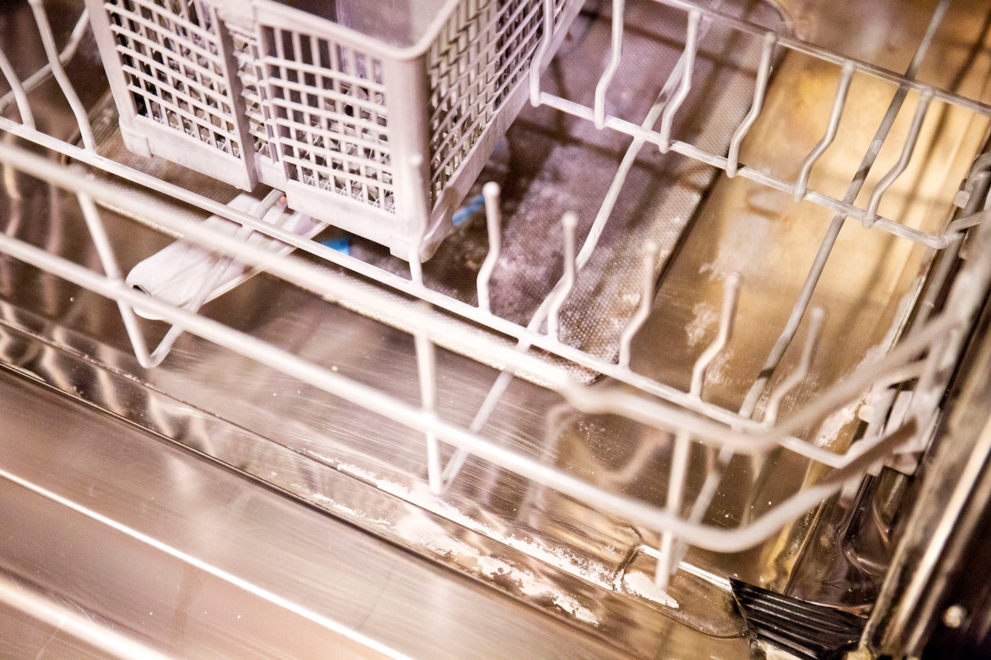Tips for Removing Lime Buildup from Dishwasher | Angie\'s List