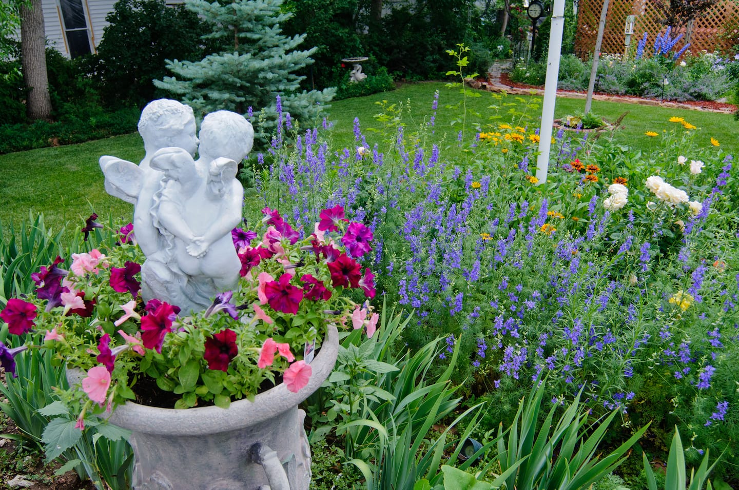 How Mulch Perennials And Annuals Can Enhance Your Landscape