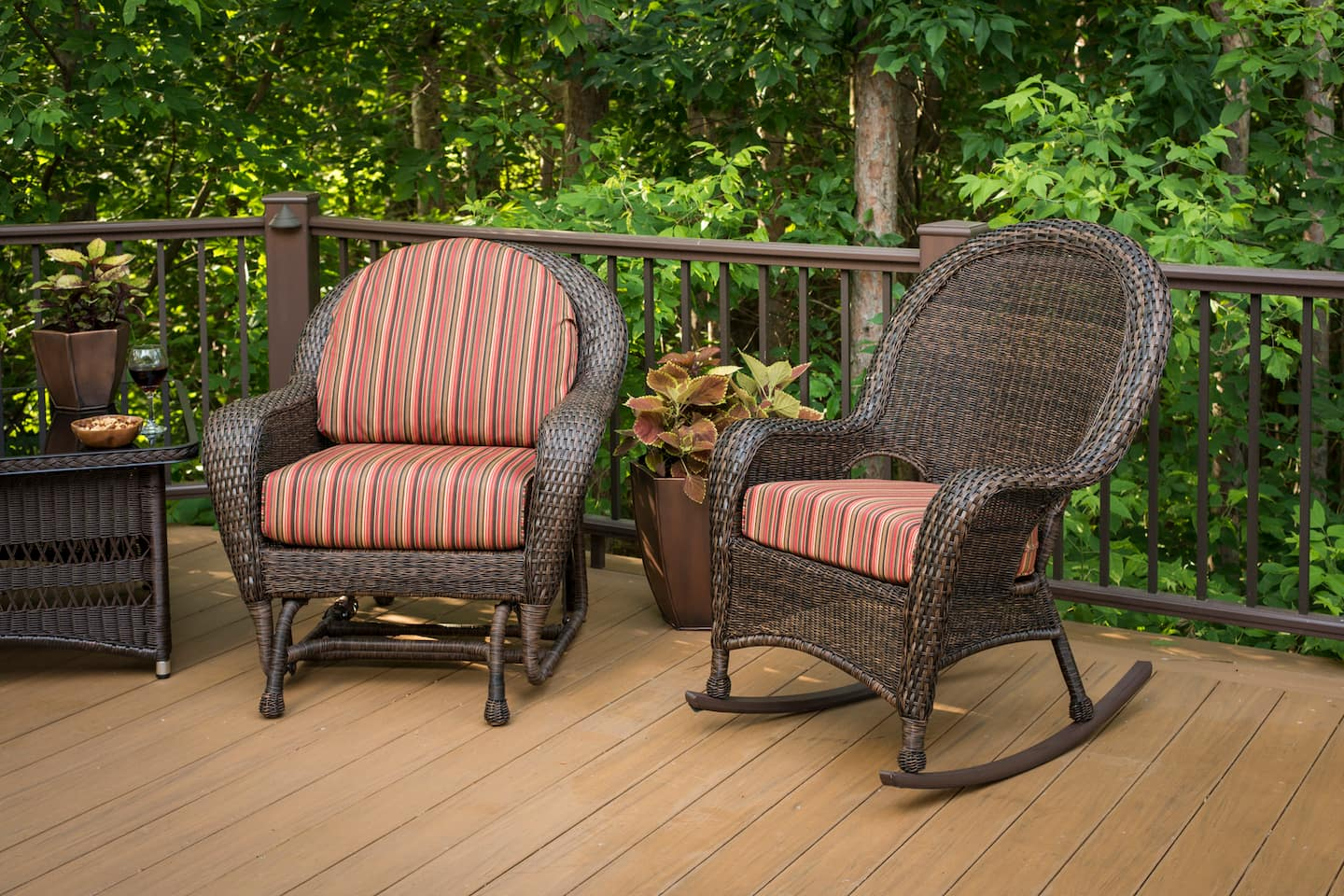 Spring Cleaning Patio Furniture | Angie\'s List