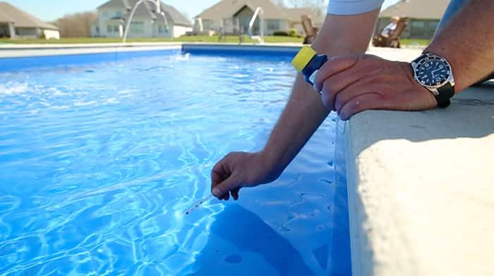 Pool Maintenance 101 | Angie\'s List