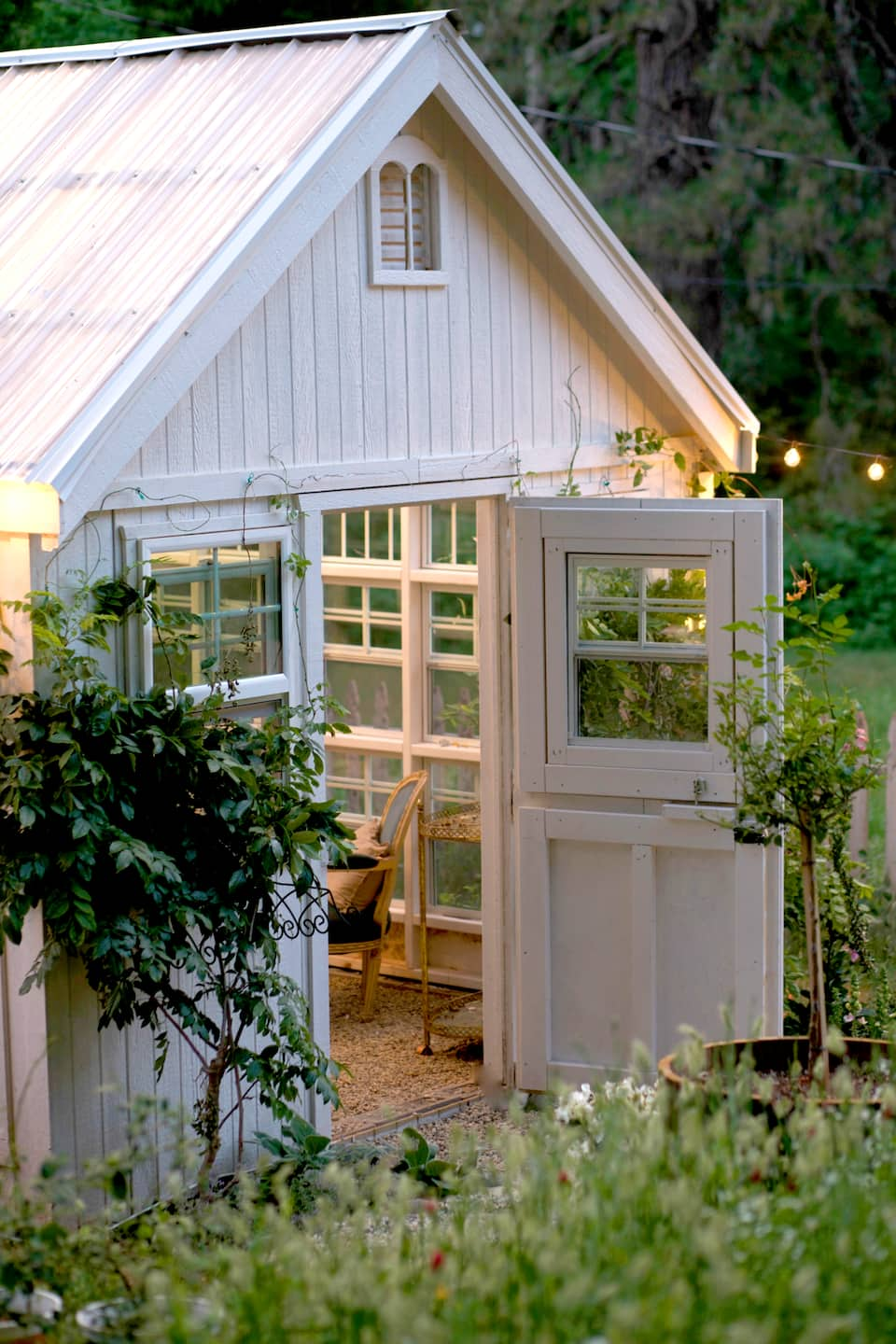 How To Build A Charming DIY She Shed .