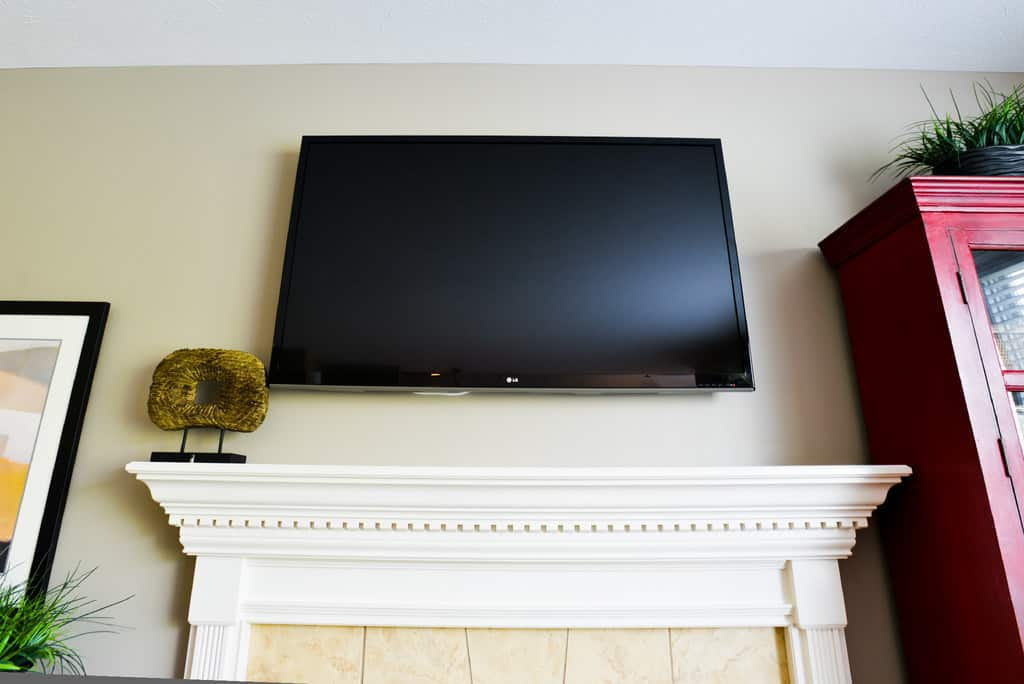 How Much Does Buying and Repairing a TV Cost? | Angie's List