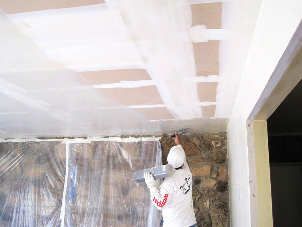 Who to hire to remove a popcorn ceiling angies list dailygadgetfo Gallery