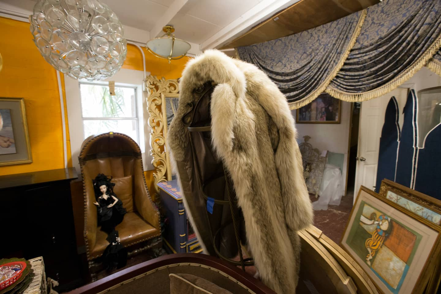 Who Should I Hire For An Antique Appraisal Angie S List