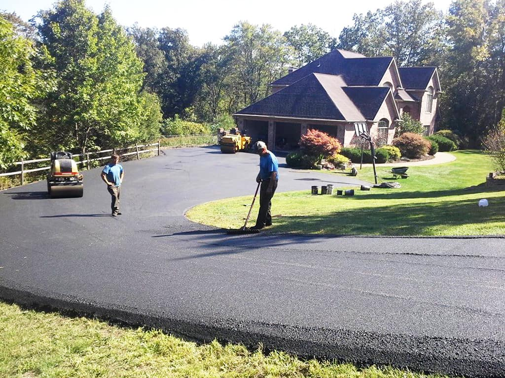 How much does it cost to seal an asphalt driveway angies list asphalt contractors paving a driveway solutioingenieria Choice Image