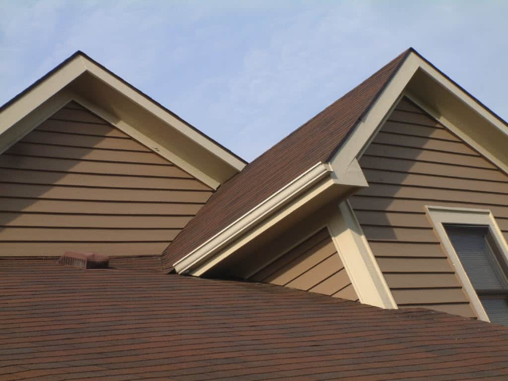 Tan vinyl siding home pictures