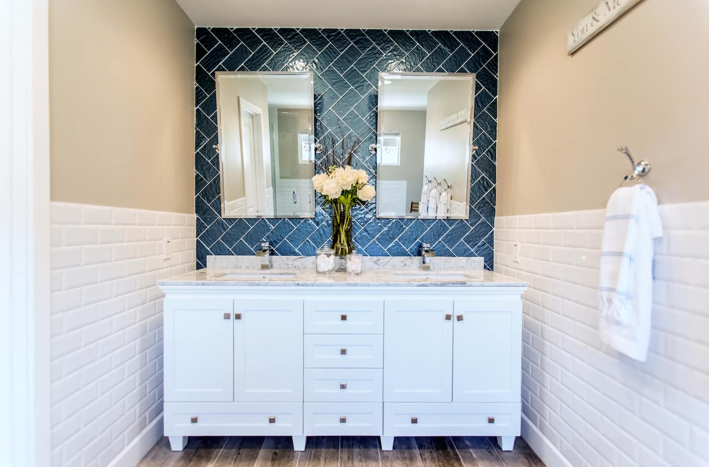 Learn Where to Buy Bathroom Cabinets | Angie\'s List