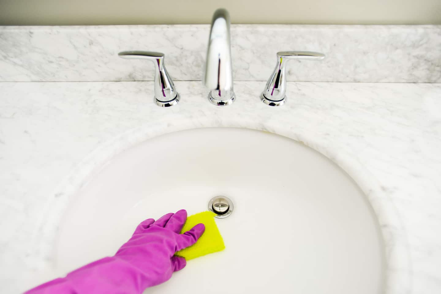 How to Clean a Jetted Bathtub | Angie\'s List