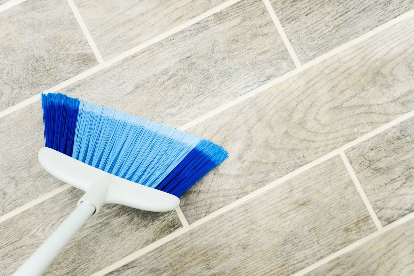 5 house cleaning secrets for walls and floors | angie's list