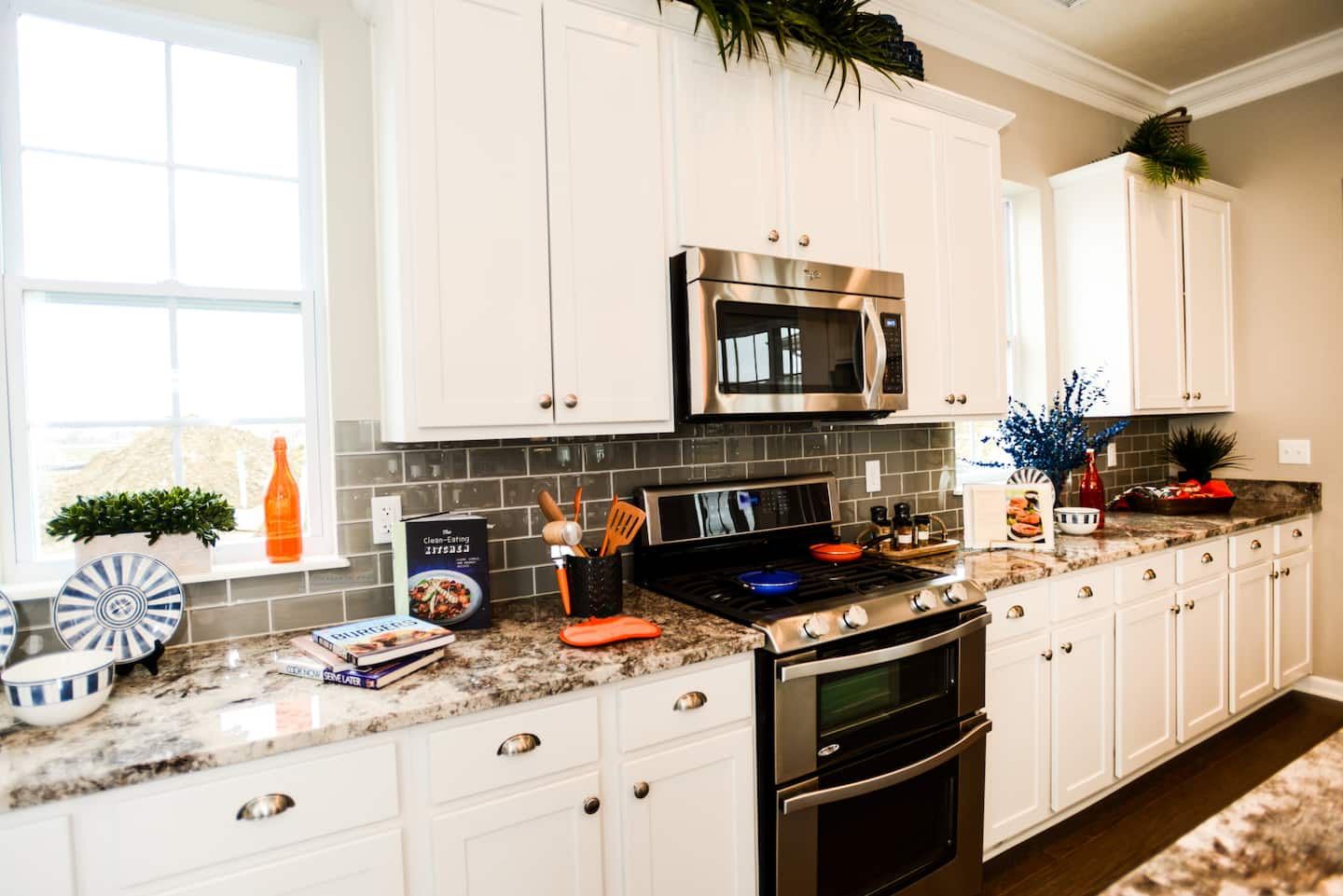 6 Ways to Keep Kitchen Counters Clutter Free