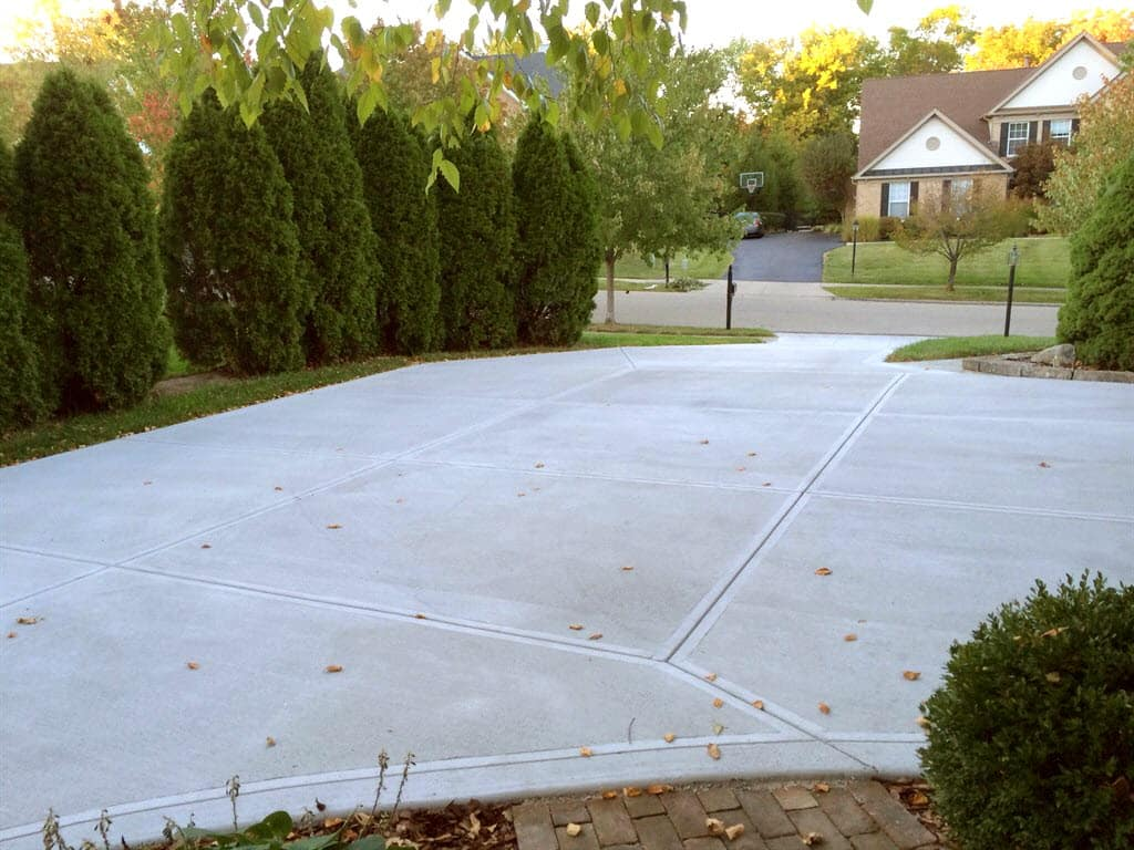Pros and Cons: Asphalt vs  Concrete Driveway | Angie's List