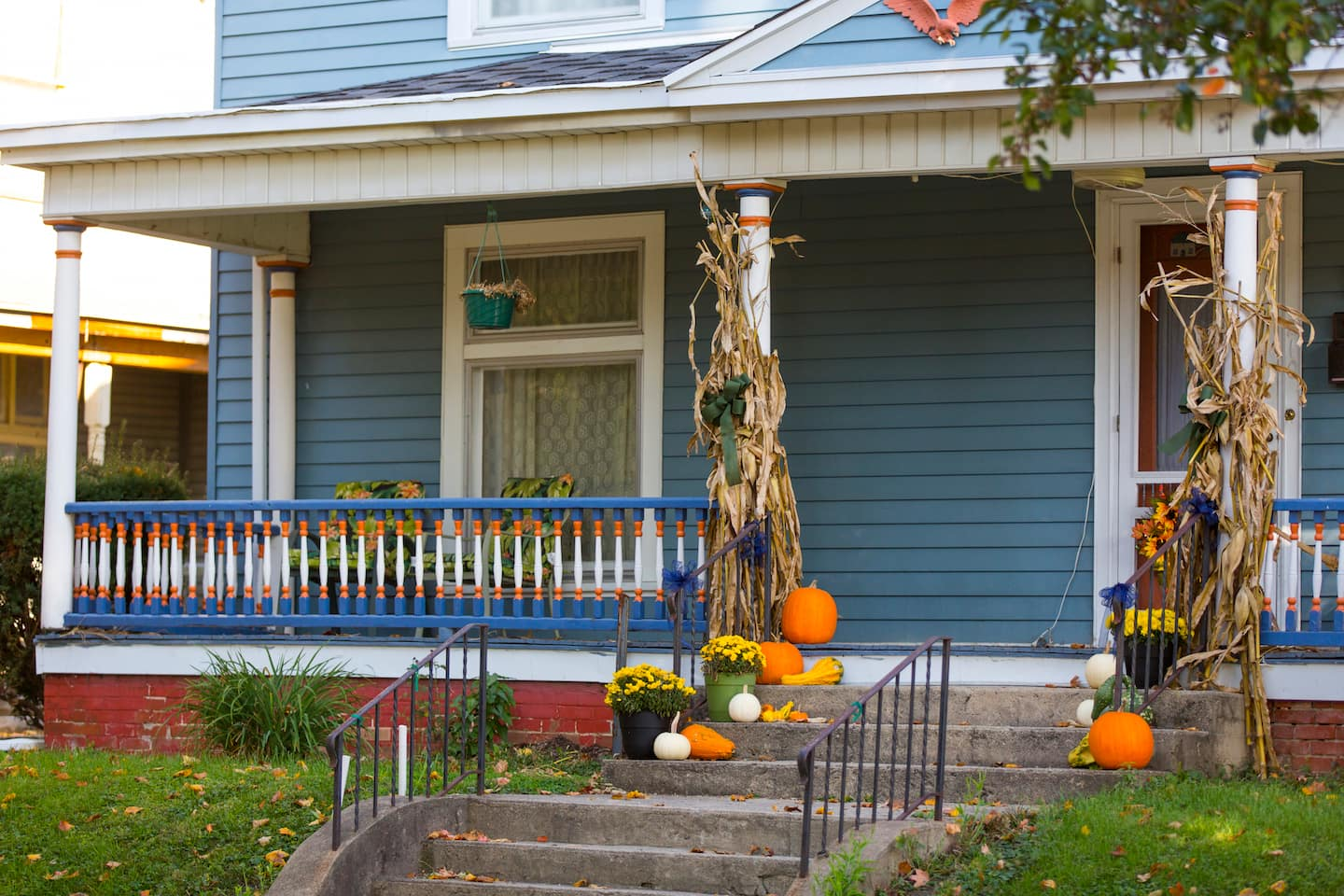 Fall decorating ideas for your porch home exterior