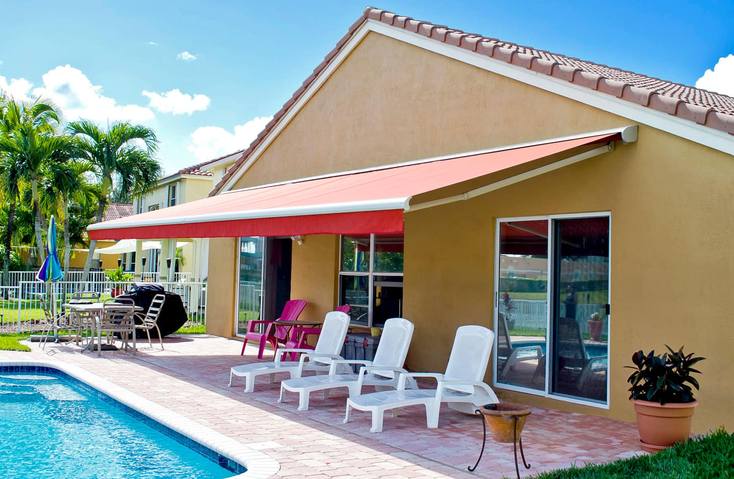 How Much Do Retractable Awnings Cost