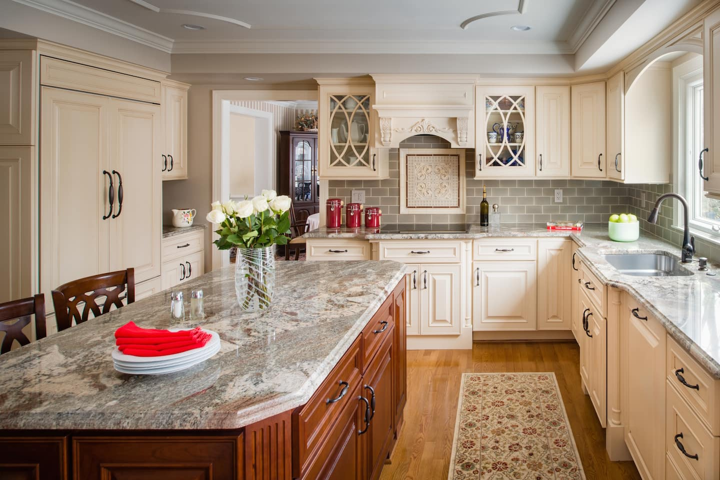 Spring cleaning kitchen cabinets - Kitchen With Island And Cabinets