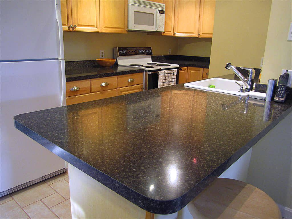 & The Pros and Cons of Laminate Countertops | Angieu0027s List