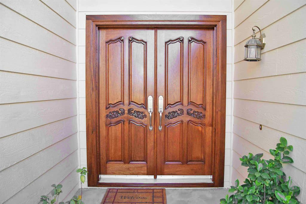 & Should You Choose a Slab or Pre-hung Interior Door? | Angieu0027s List pezcame.com