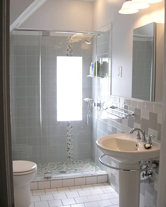 Small bathroom remodel photos angie 39 s list - Pictures of remodeled small bathrooms ...
