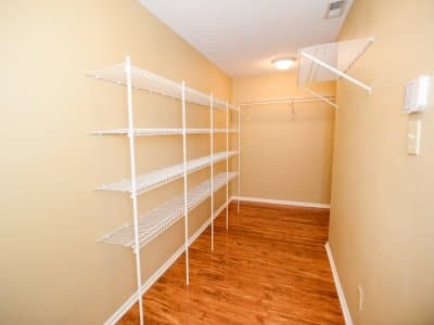 closet lighting