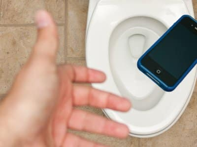 phone dropped in toilet