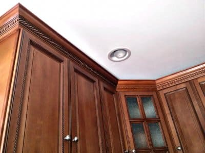 crown molding, rope molding, kitchen cabinets, kitchen crown molding