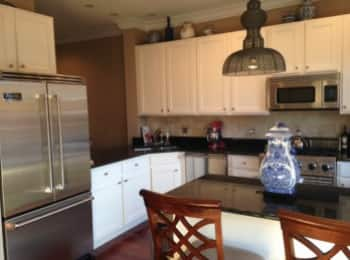 Chicago Homeowner Paints Kitchen Cabinets for Fresh New Look ...