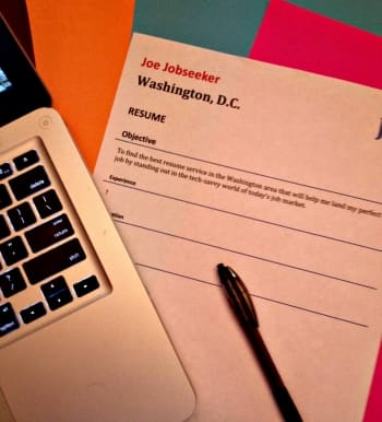 Looking for a job in D.C.? Use a resume service to gain the ...