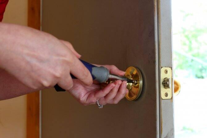 Perfect Changing A Doorknob