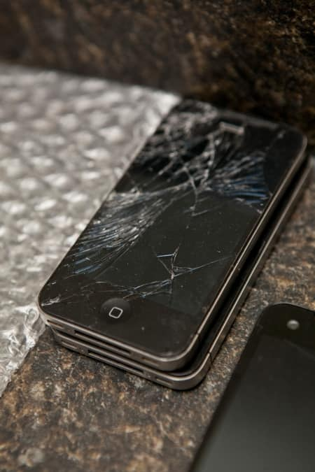 dropped and cracked iPhone screen replacement