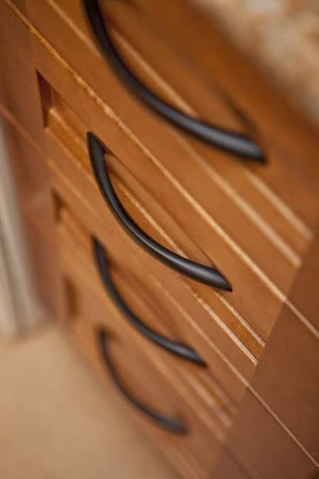 black matte cabinet hardware (Photo by Brandon Smith)