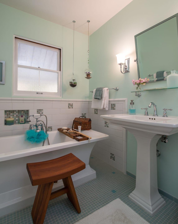 New bathroom sink ideas bathroom ideas designs for Public bathroom sink
