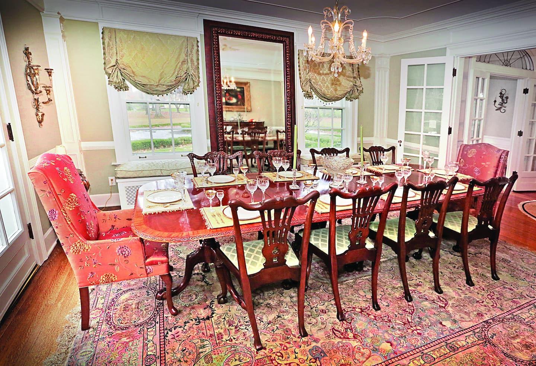 14 Creative Dining Room Wall Decor Ideas | Angie\'s List