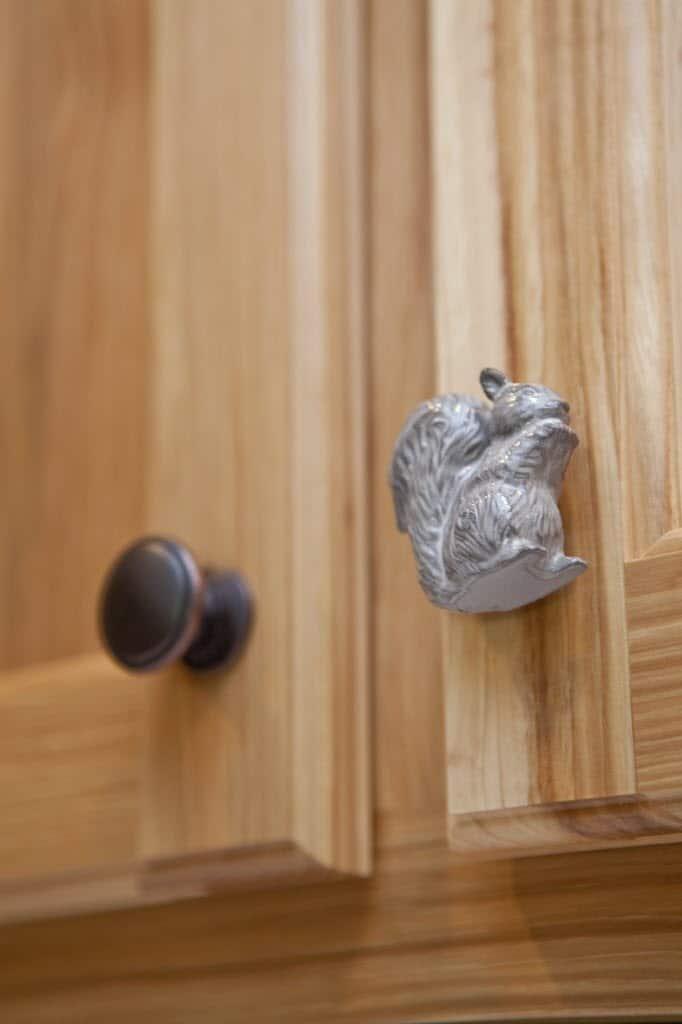 ceramic squirrel shaped kitchen cabinet pull