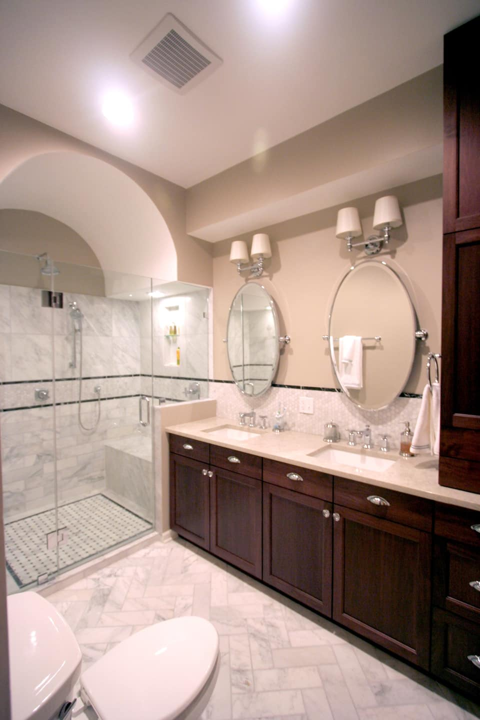 barrel vault ceiling in bathroom