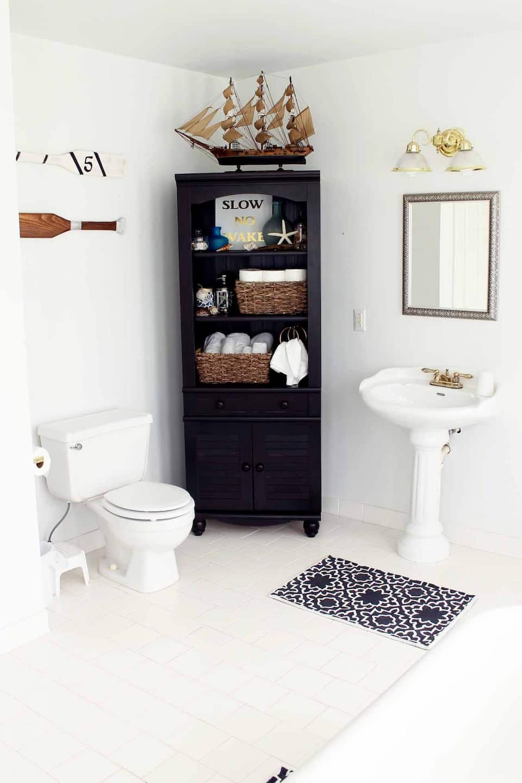 14 Easy Bathroom Decorating Ideas | Angie\'s List