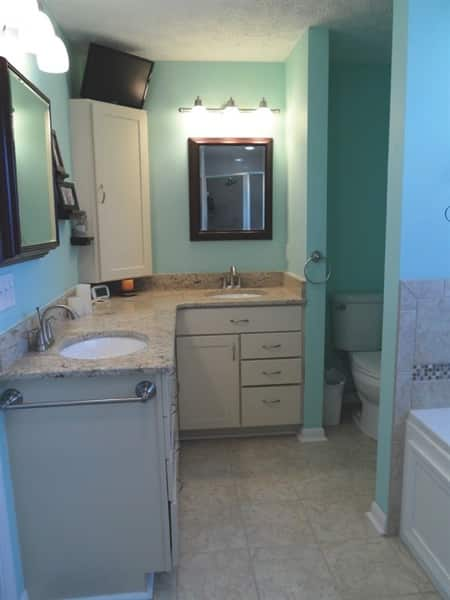 Gibraltar Custom Builders made this bathroom handicap-accessible. (Photo courtesy of Ilene King)