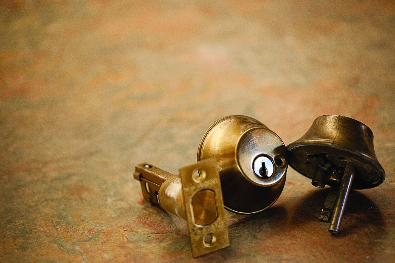 Avoid locksmith scams