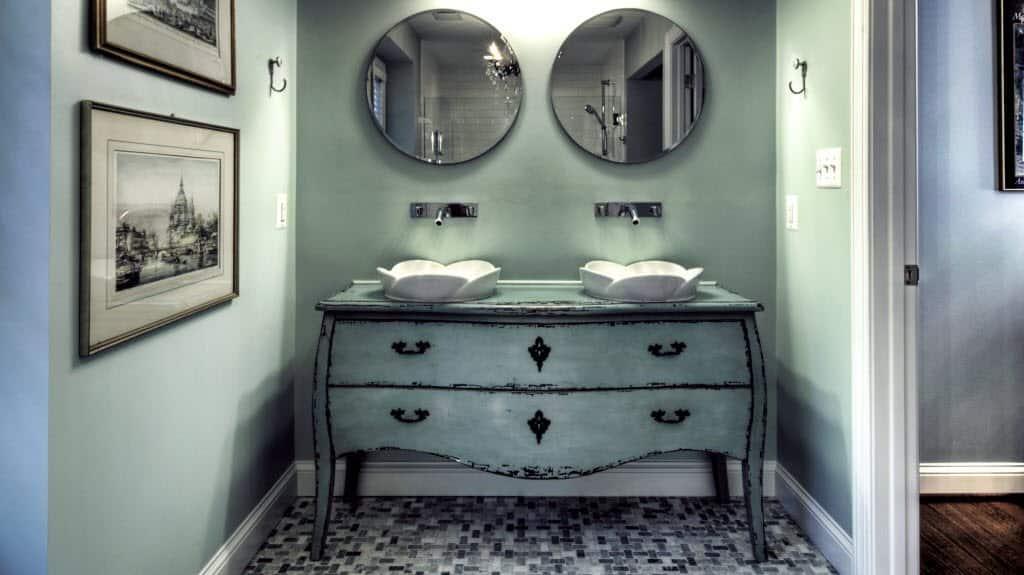 10 Unique Bathroom Vanity Design Ideas | Angie\'s List