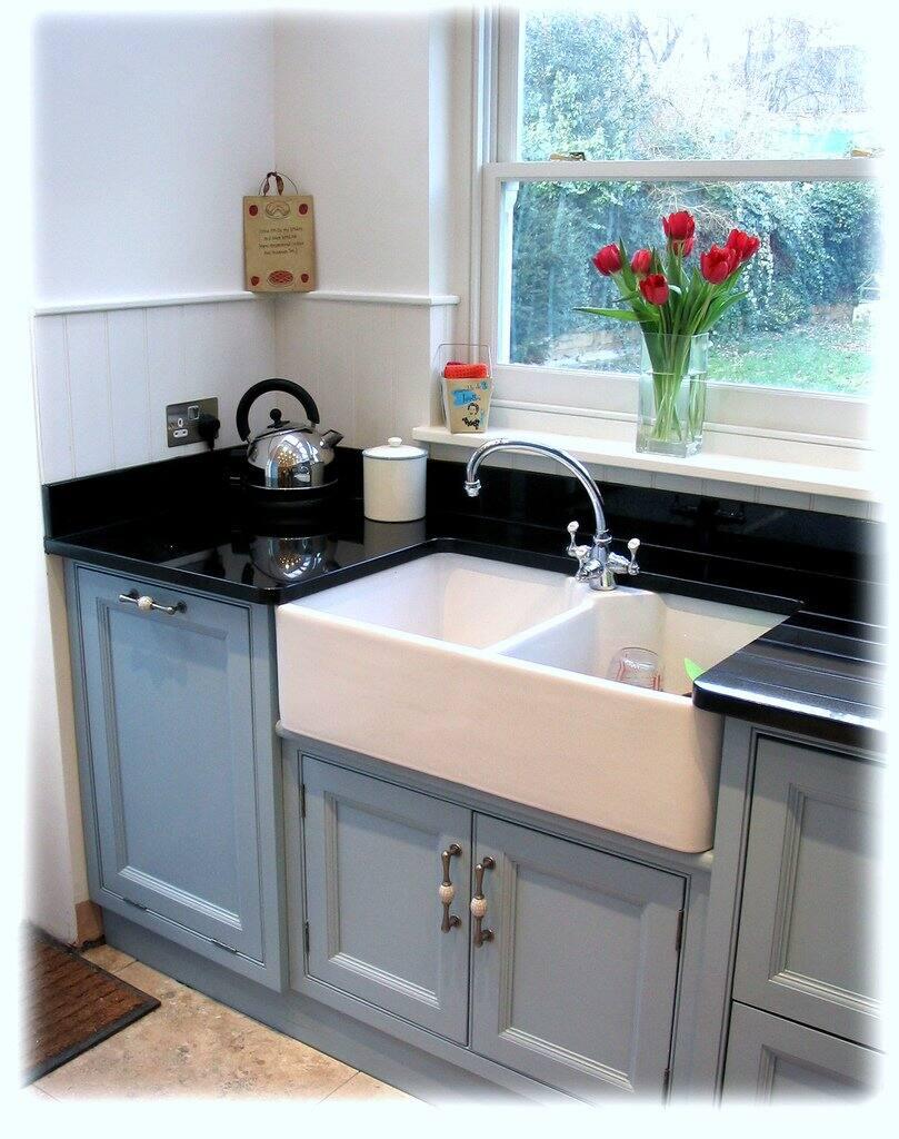 farmhouse kitchen sink