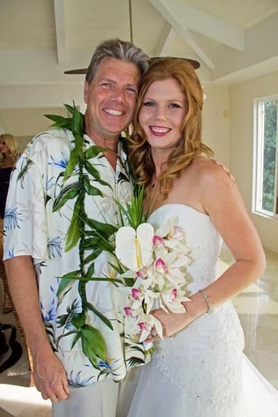 Robin Holmquist cherished the time she spent with her father, who has dementia, at her wedding last summer in Hawaii. (Photo courtesy of Robin Holmquiest)