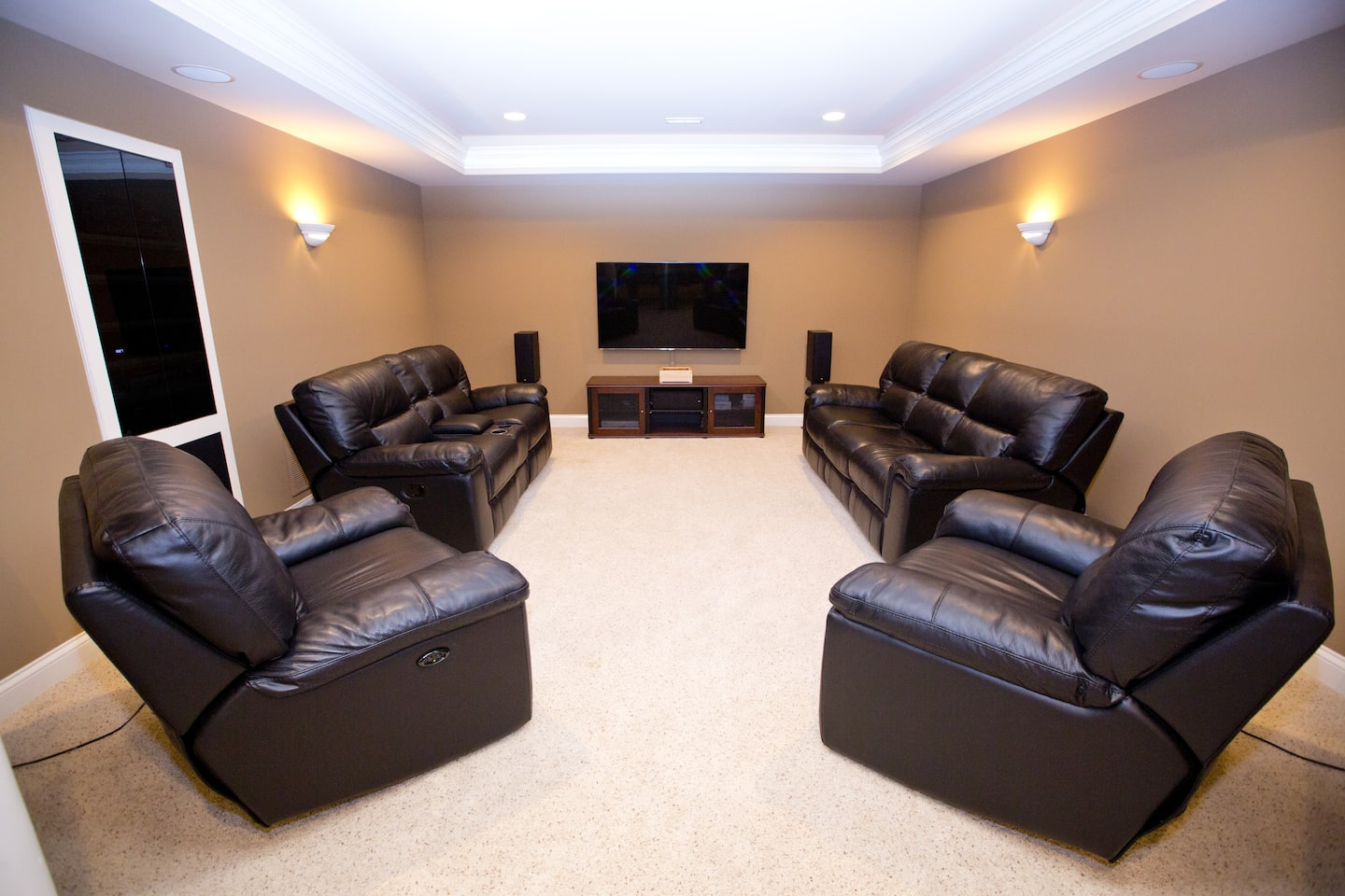 Home entertainment room (Photo by )