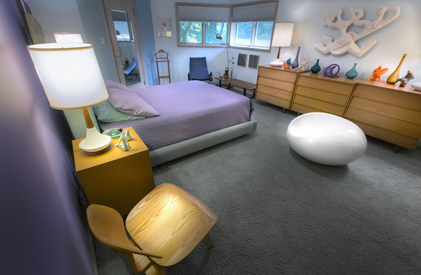Bedroom with table lamps