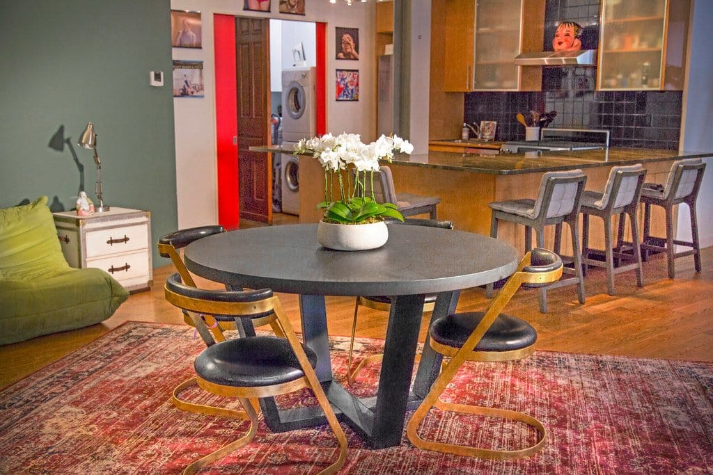 Dining Room Decorating Ideas. Modern Dining Room