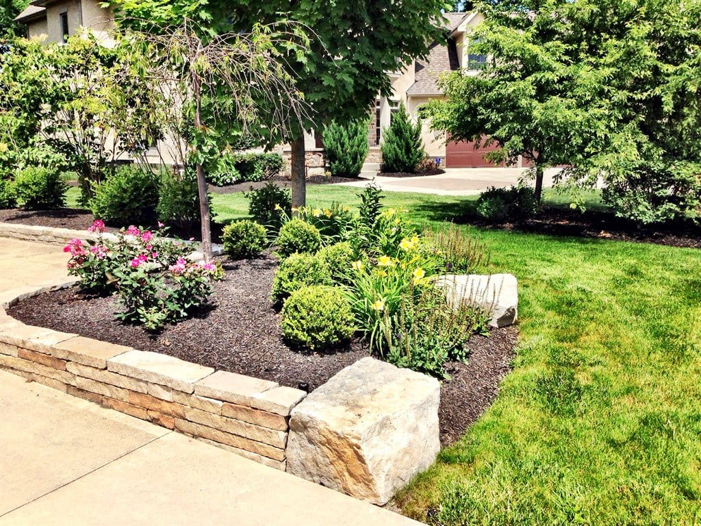 Image of: 10 Edging Ideas For Flower Beds Gardens And Landscaping Angie S List