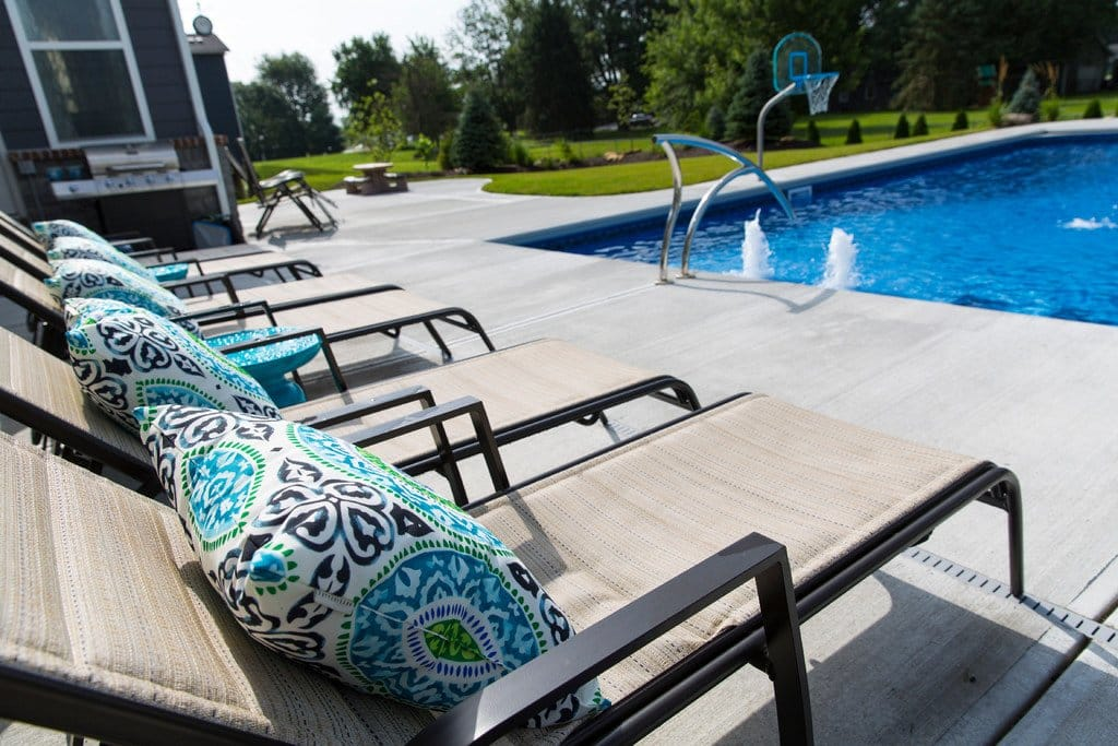 Folding Poolside Chairs With Pillows