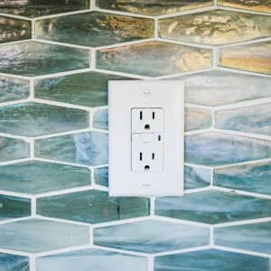 GFCI outlet not working?itok=0BLIn21_ why does my electrical outlet spark? angie's list  at fashall.co
